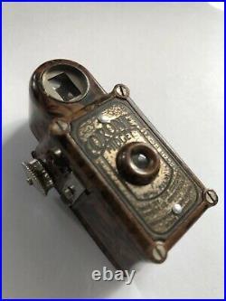 Coronet midget, British spy miniature camera